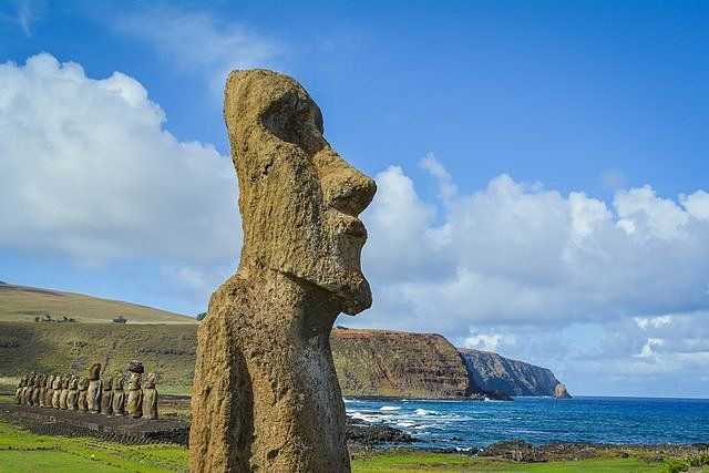 The A Vere moai looks renewed after the restoration process