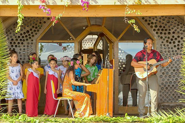 Mahani Teave and Enrique Icka with students from the Toki Music School Easter Island